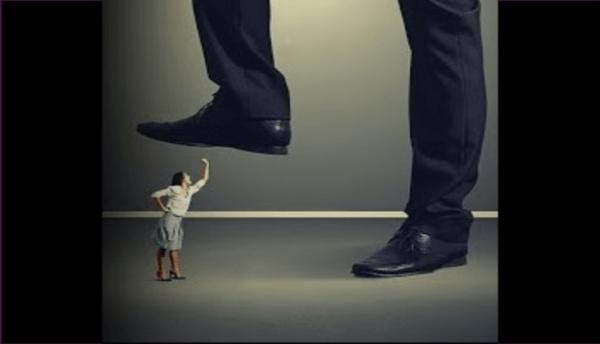 Desvalorização: a fase 2 dos relacionamentos abusivos - Janaina Campos - Viva o relacionamento que você merece