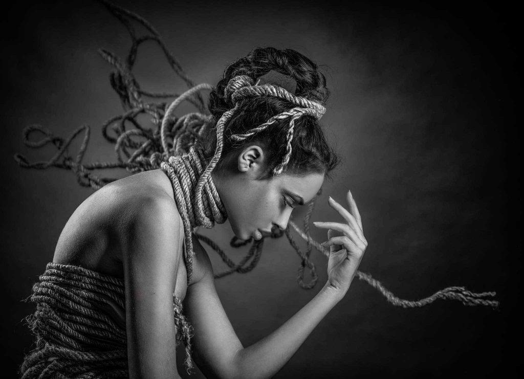 Relação abusiva e seus impactos: trauma bonding - Janaina Campos - Viva o relacionamento que você merece
